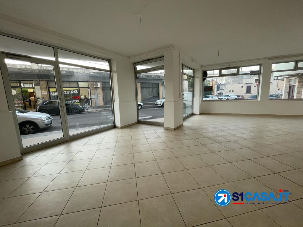 Negozio / Locale in affitto a Galatone, 2 locali, prezzo € 800 | CambioCasa.it
